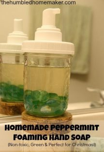 A Natural Holiday: Homemade Peppermint Foaming Hand Soap
