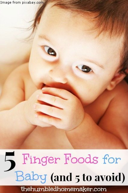 Step away from the Cheerios and give your baby these 5 finger foods instead! There's also a list of 5 finger foods to avoid when your baby is young.