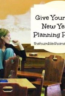 Give Yourself a New Year's Planning Retreat | thehumbledhomemaker.com