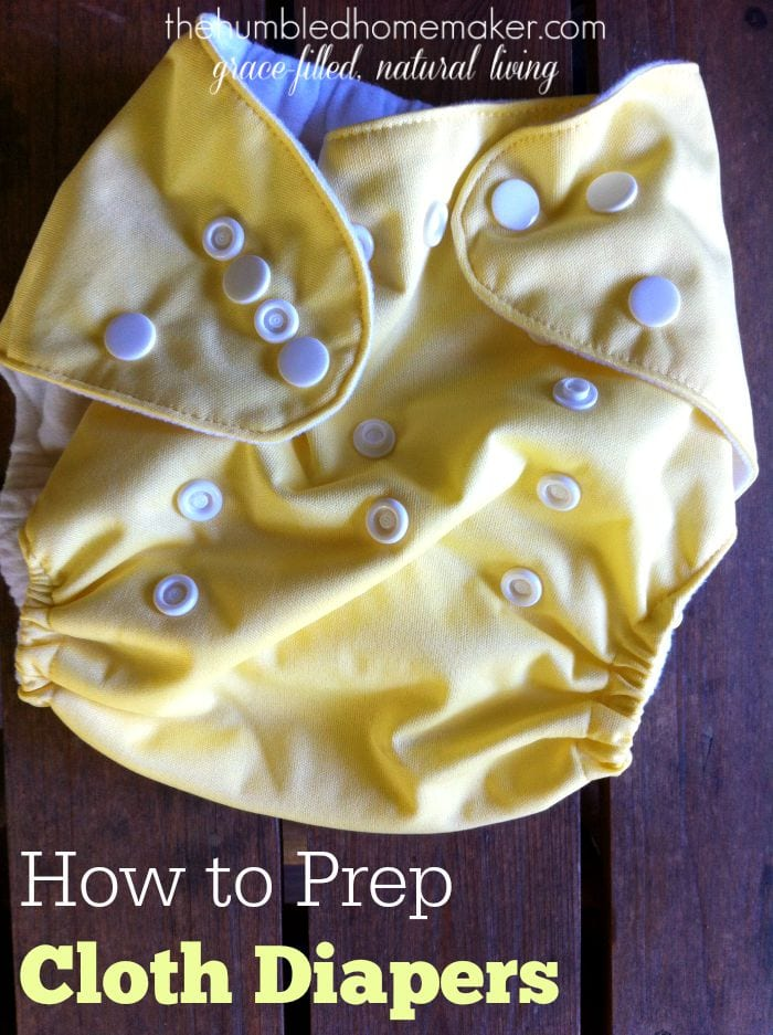Here's how to prep cloth diapers for the first time before using them! Whether you're using natural fiber diapers or synthetic fiber diapers, prepping is a must!