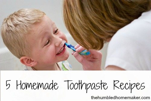 5 natural, fluoride-free homemade toothpaste recipes and a review of Earthpaste. Making your own toothpaste is so easy and good for you!