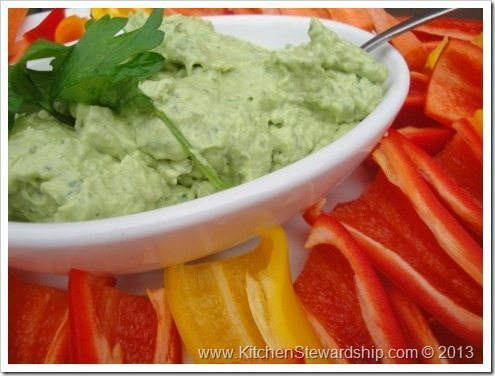 avocado-and-goat-cheese-dip-4-475x356_thumb