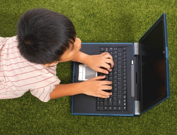 10 Ways to Protect Kids Online | The Humbled Homemaker