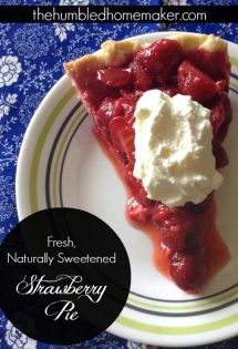 Here is a fresh strawberry pie recipe that's naturally sweetened with honey! This strawberry dessert makes a festive summer treat for the 4th of July.