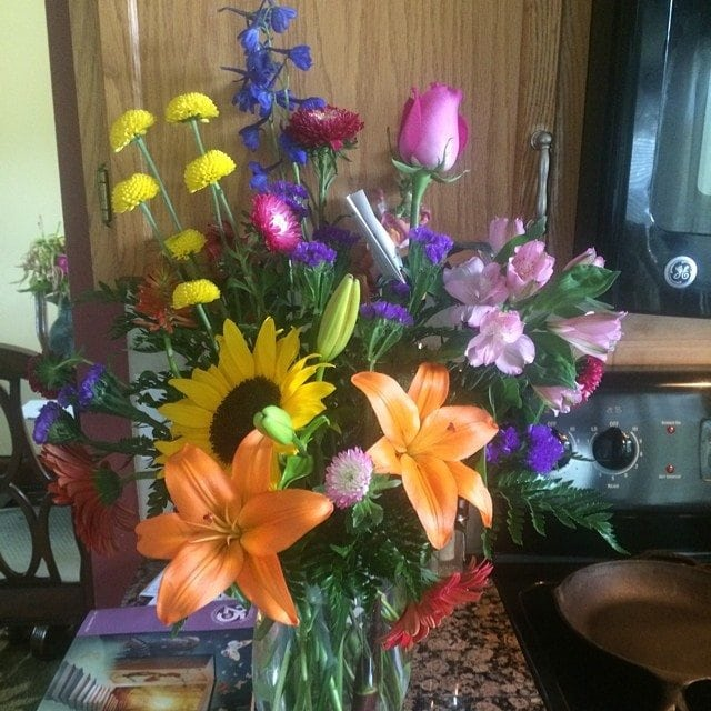 My hubs had these flowers sent to me on our anniversary. Aren't they pretty?!