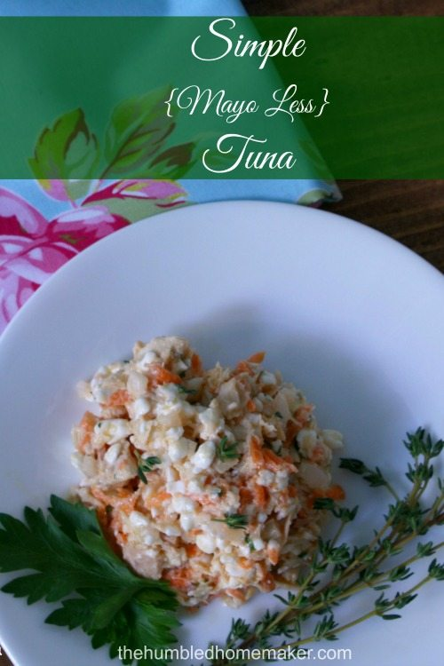 Hate mayo but love tuna? Check out this delicious simple may-less tuna salad recipe! NO mayonnaise required for this tuna salad!