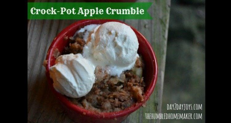 Apple Crumble in the Crock Pot - TheHumbledHomemaker.com