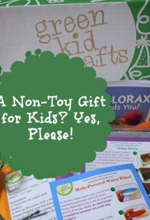 Green Kid Crafts are a great non-toy gift for kids. Perfect for Christmas!