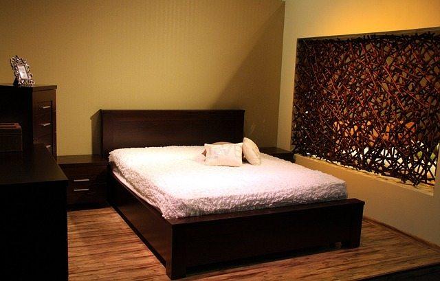 room-89022_640-2