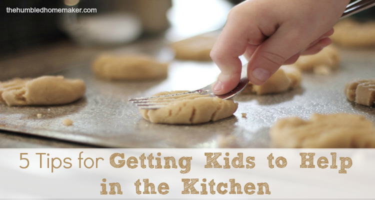 But because I, to this day, feel so humbled in the kitchen, I want my girls to get comfortable in the kitchen from a young age. They are now 2, 4, and 6, and, over the past few years I've learned some tips for getting kids to help in the kitchen.