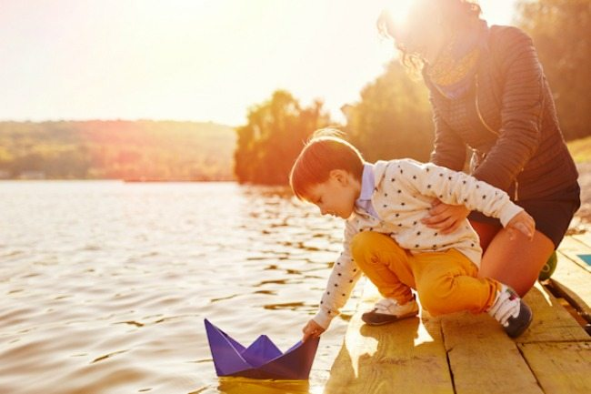 Does a whole summer break seem daunting to you? Here are 5 ideas to encourage you to create a simple and memorable summer with your kids!