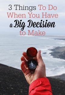 Are you at a crossroads in life or faced with a big decision? Here are 3 things you absolutely must do to help you find clarity and make the right choice.