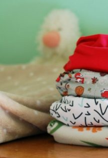 Here's how to get cloth diapers cheaply if you're on a low income or just can't handle to upfront cost of modern cloth diapers!