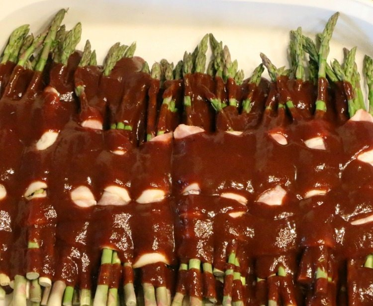 bacon-wrapped-asparagus-with-bbq-sauce