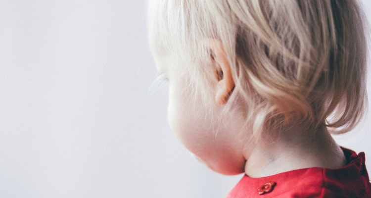 These natural ear infection treatments are safe for children.