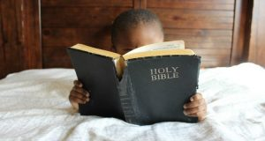 10 Practical Ways to Introduce a Child to Jesus