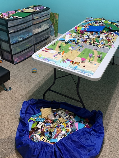 ways to organize LEGO - playroom setup with table