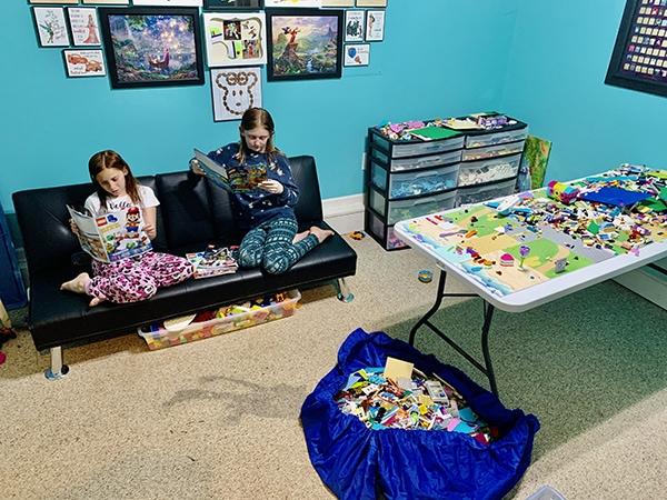 easy ways to organize LEGO - playroom LEGO magazine reading
