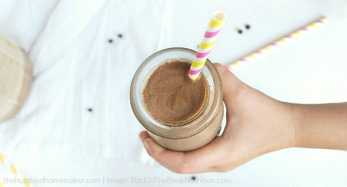 Rich and creamy chocolate milk in 2 minutes! Refined sugar free.