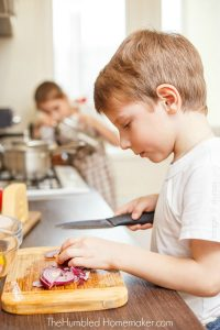 Teach Kids To Make Their Own Meals: Your Kids Can Cook!