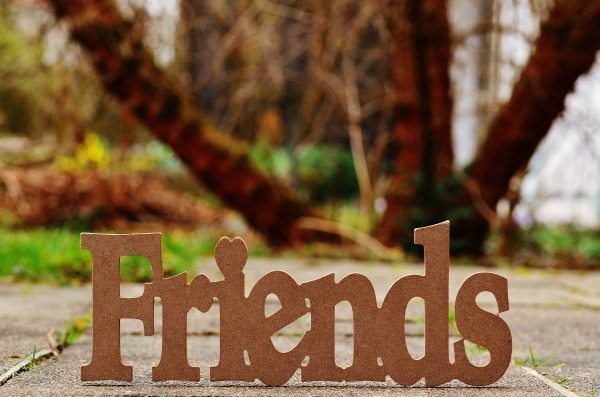 How do we find the time to cultivate friendships when there is so much else that also requires our attention? By giving our mom friends gifts that everyone craves.