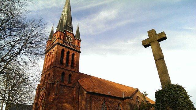 church-1317681_640