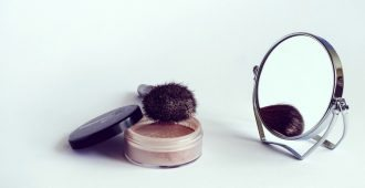 Making your own mineral powder foundation is affordable, healthy ... and simple!