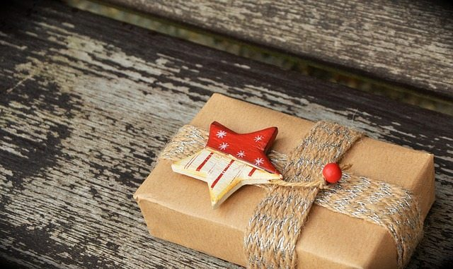 make-for-a-stress-free-holiday-tips-buying-gifts-ahead-of-time