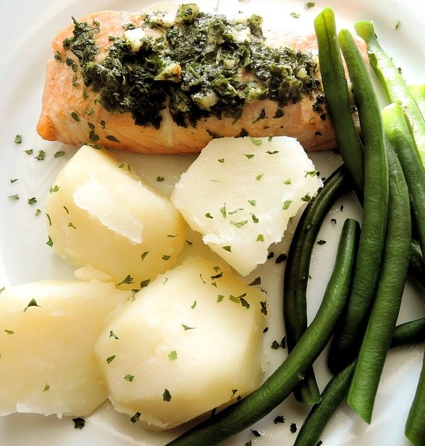 oven-baked-salmon-913517_640