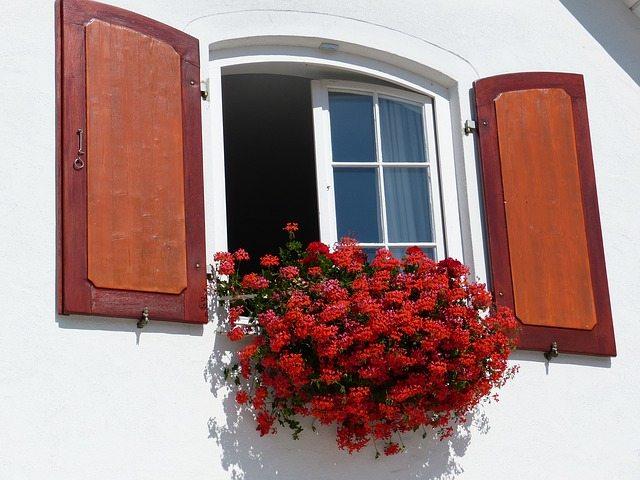 window-189564_640